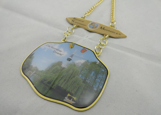 China 3D Carnival Zinc Alloy, Pewter Medal by Offset Printing, Long Gold Plating Metal Chain supplier