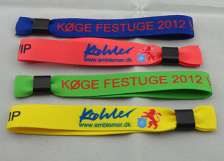 China Promotional Gift Customized Cotton Woven Wrist Band For Sports supplier