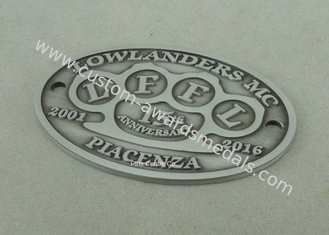 China Customized 2D Souvenir Badges Standard Antique Silver Die Casting Metal Badge supplier