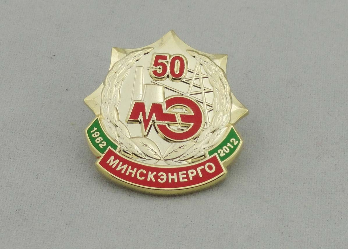 35 mm Collectable Hard Enamel Pin Gift , 3D Design Die