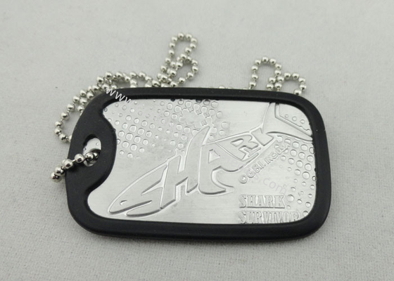 China Aluminum Customizable Personalised Dog Tags For Men With Silicone Frame distributor