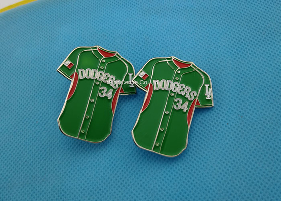 China Green Color Soft Enamel Lapel Pins ,  Iron Trading Pins For Business Promotion factory